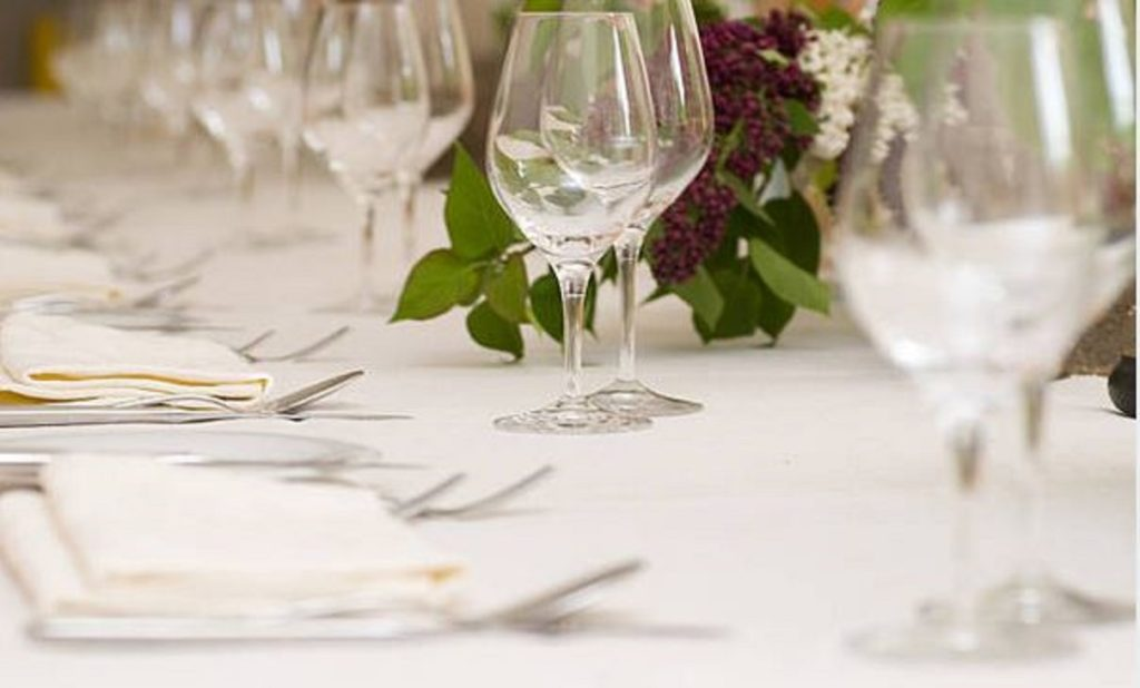 dinner-table-long-view-1024x618